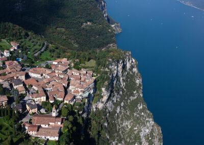 Pieve vista dall'alto - Foto: Proloco Tremosine